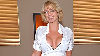 Tall milfy bitch Brianna Beach
