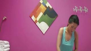 Asian massage babe Amber Q handjob