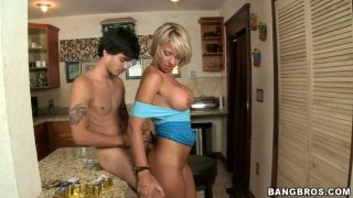 Kinky action on the kitchen with sexcited blonde mommy Brianna Beach