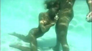 Aurore underwater sex