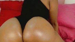 Ebony Babe Twerking That Big ass